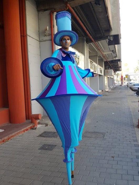 הולכי קביים פסלים חיים לאירועים במגוון עצום של תלבושות ודמויות מדהימות - זאזא אטרקציות לאירועים