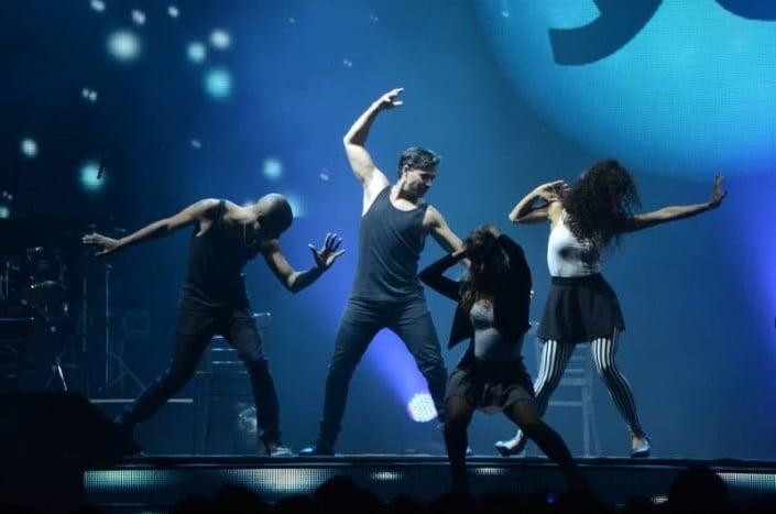 רקדנים לאירועים - ZAZA - מופעי במה