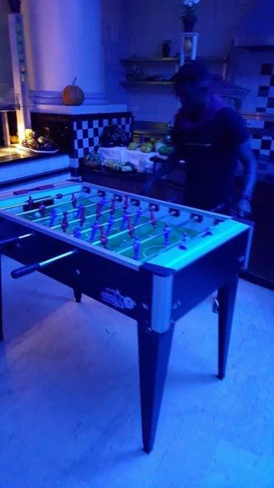 שולחנות משחק להשכרה לאירועים - שולחן כדורגל