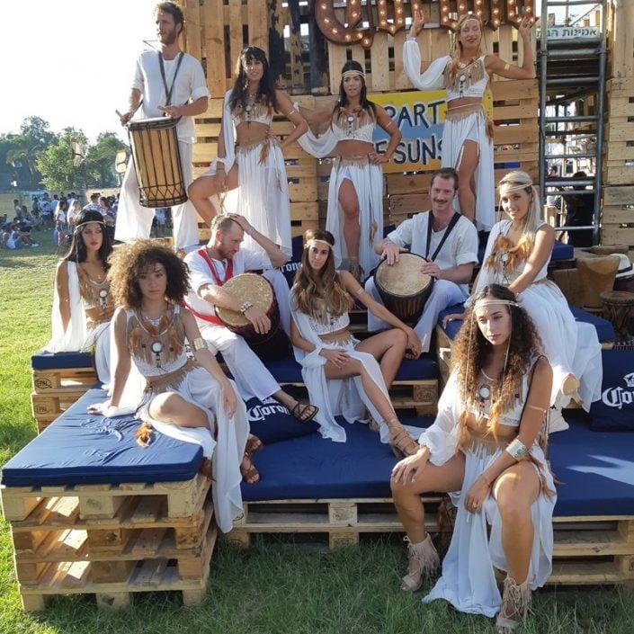 רקדניות של זאזא בפסטיבל קורונה סאנסט
